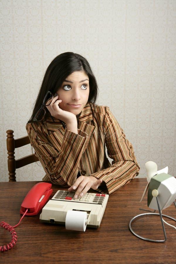 Expressão retro do negativo da mulher do contabilista fotografia de stock royalty free
