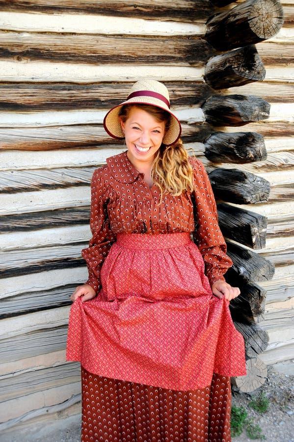 Expressões pioneiras do reenactor da mulher imagem de stock
