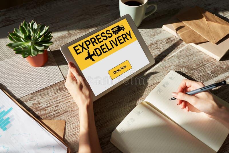 Express-leveringsformulier op scherm, transport en logistiek Online winkelen royalty-vrije stock afbeelding