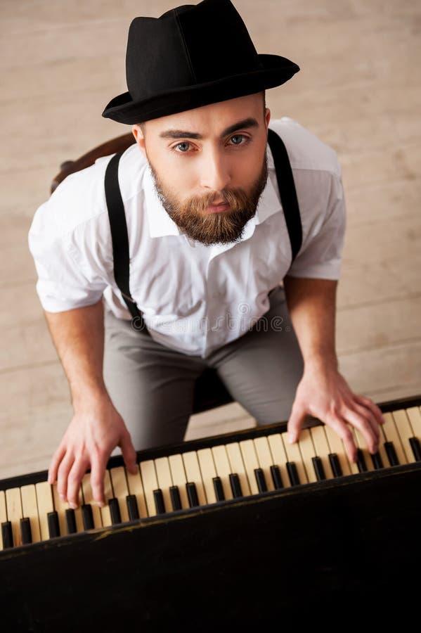 Expressando-se com música. imagem de stock