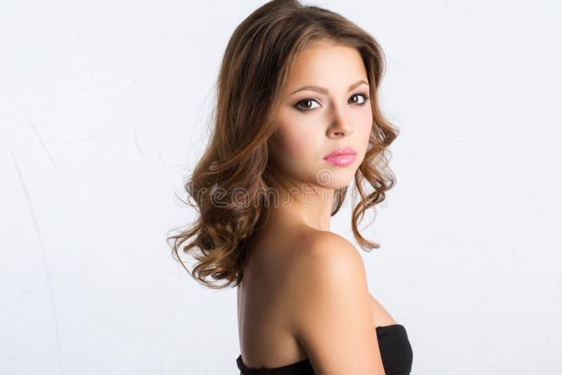 Expressief portret mooi brunette royalty-vrije stock fotografie