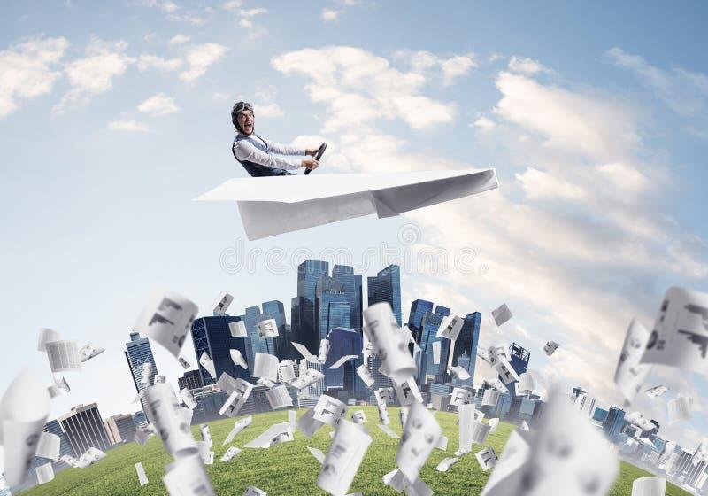 Expressief vliegeniers drijfdocument vliegtuig stock afbeelding