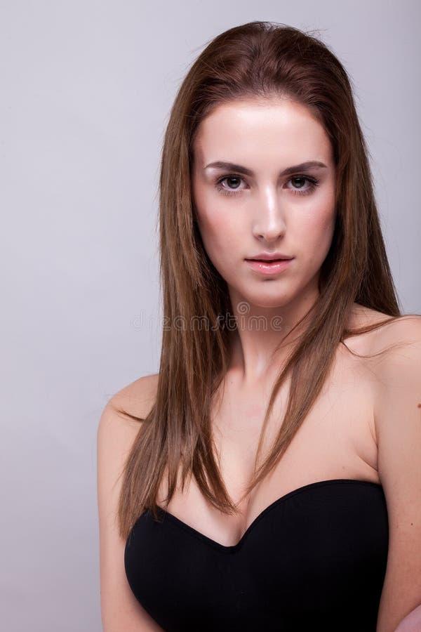 Expressieve vrouw met perfecte huid royalty-vrije stock foto's
