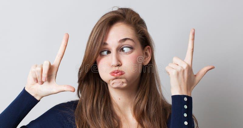 Expression surréaliste avec la femme drôle avec les yeux énormes pour LOL photographie stock libre de droits