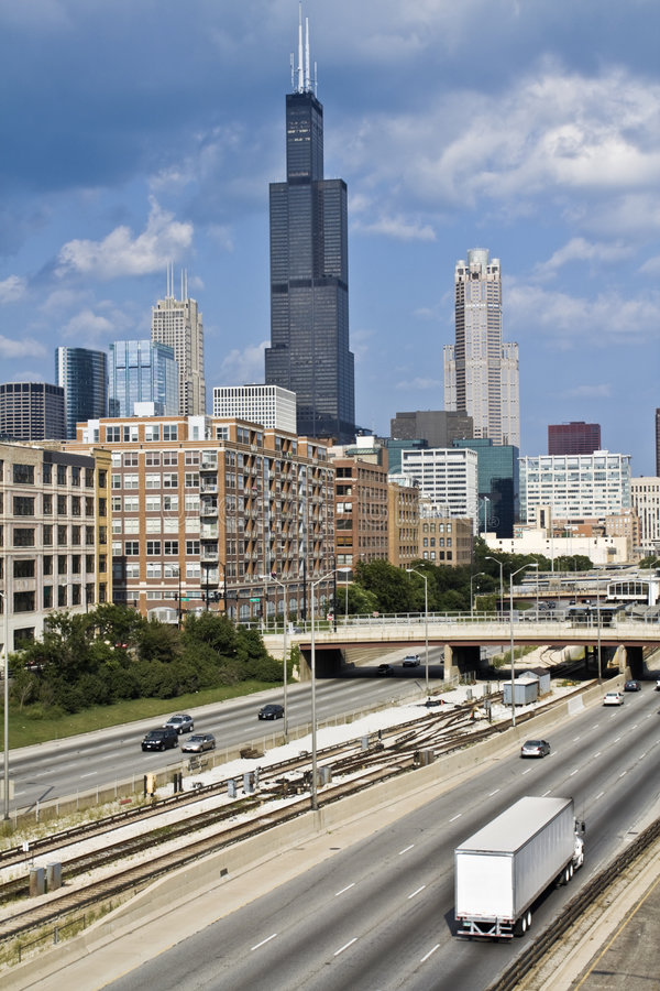 Free Expressway To Downtown Chicago Royalty Free Stock Images - 6191249