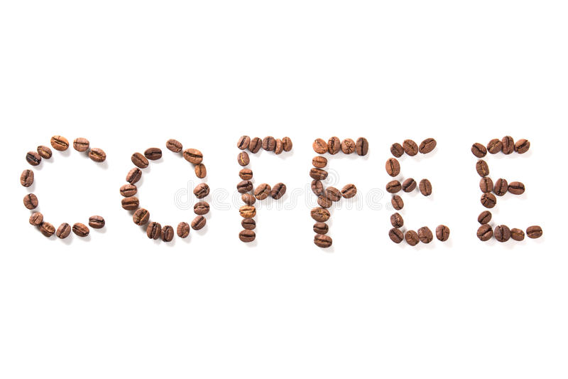 Exprimez le café, haricots rôtis au-dessus du fond blanc photos libres de droits