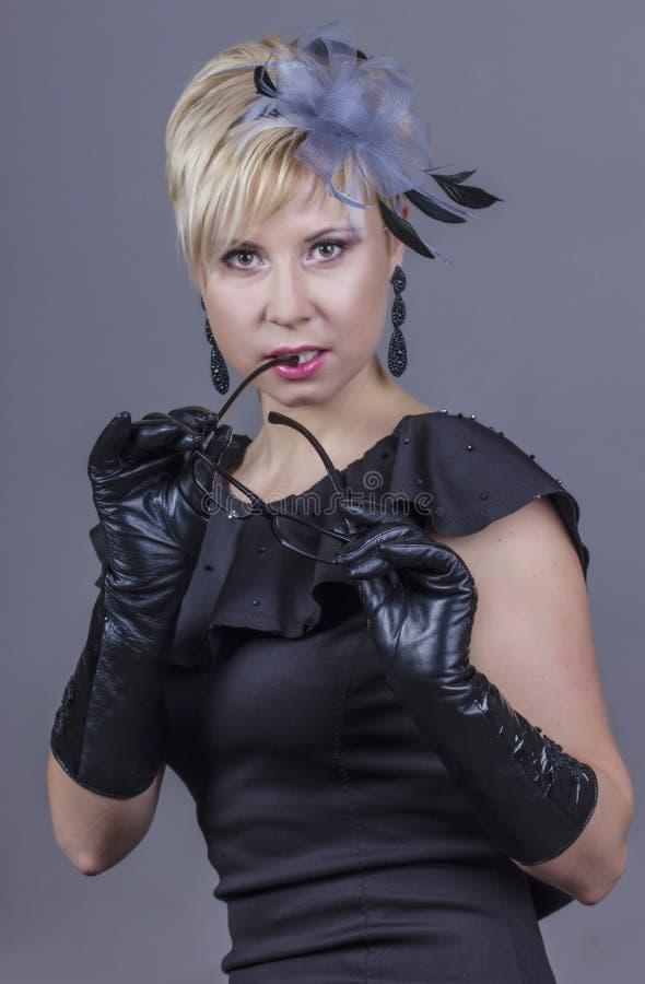 Exstravagant женщина стоковое изображение rf