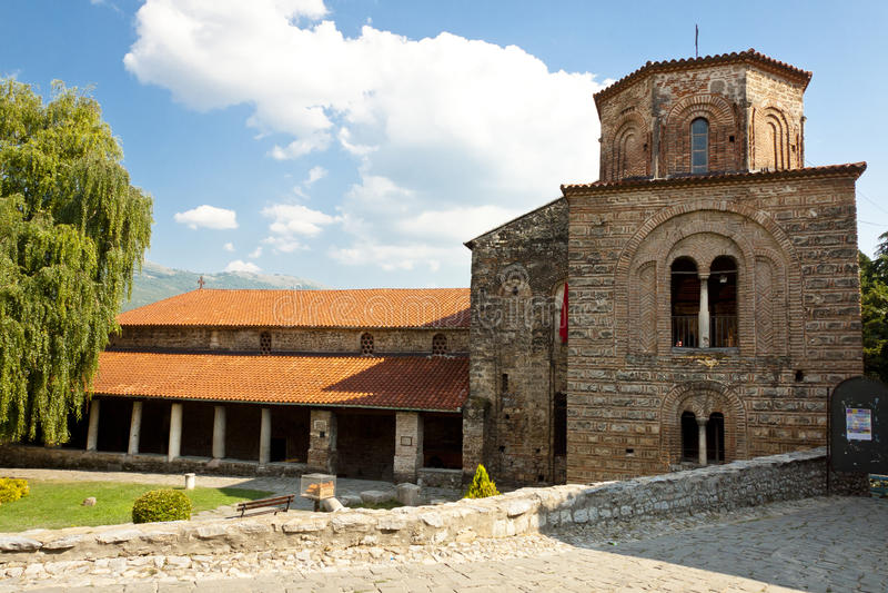 Extérieur d'église de rue Sofia dans Ohrid. image libre de droits