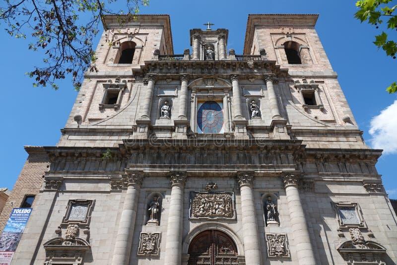 Extérieur d'église de San Ildefonso à Toledo, Espagne images libres de droits