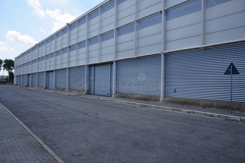 Extérieur d'entrepôt industriel photographie stock libre de droits