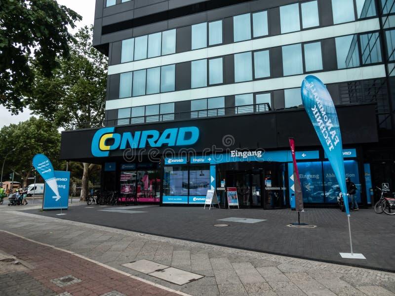 Extérieur de magasin de Conrad photos libres de droits