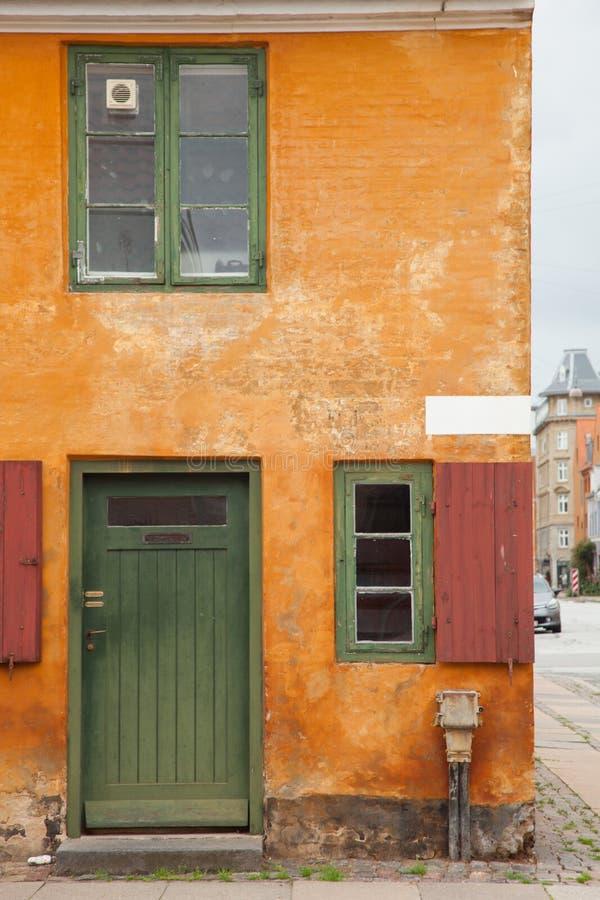 Extérieur des maisons antiques danoises photo stock