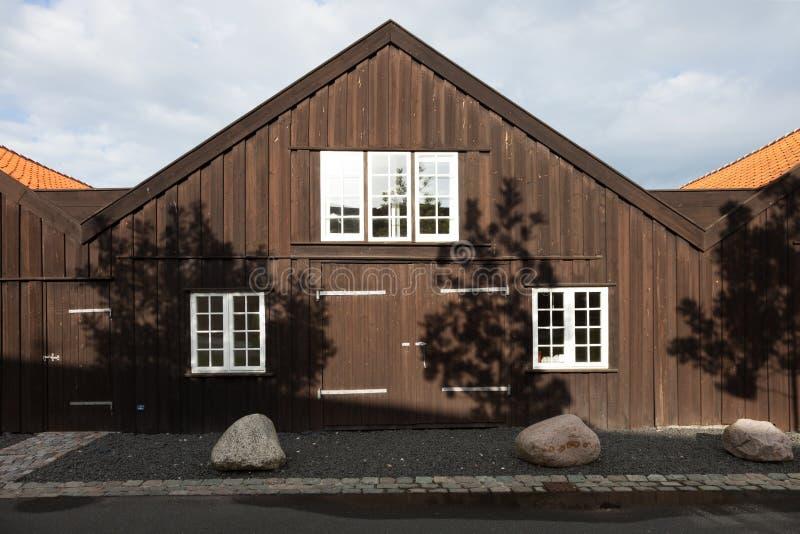 Extérieur des maisons en terrasse en bois à Copenhague photographie stock