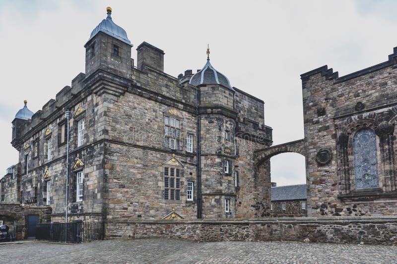 Extérieur du bâtiment de Royal Palace à la place de couronne à l'intérieur du château d'Edimbourg, Ecosse, R-U photographie stock libre de droits
