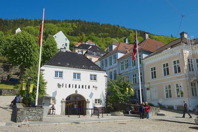 Extérieur du bâtiment inférieur funiculaire de station de Floyen à Bergen, Norvège photographie stock libre de droits