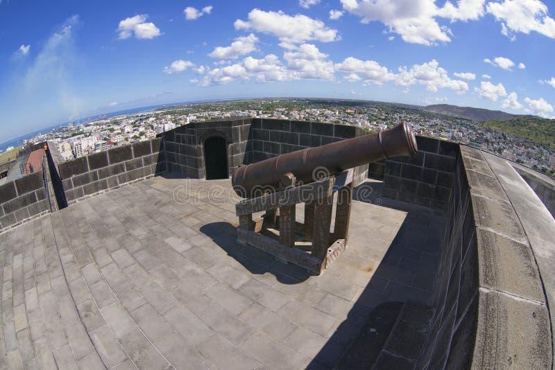 Extérieur du vieux canon dans le fort Adelaïde, Port-Louis, Îles Maurice image libre de droits