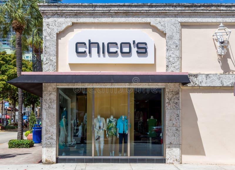 Extérieur et logo de magasin d'habillement du ` s de Chico image libre de droits