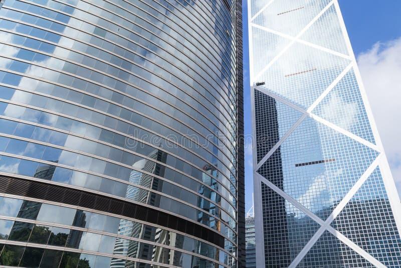 Extérieurs réfléchis des gratte-ciel en Hong Kong images libres de droits