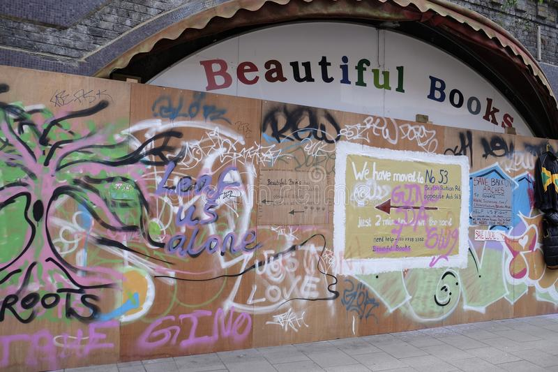 Extasie aos livros bonitos a livraria agora fechado-para baixo, Brixton, Reino Unido fotos de stock