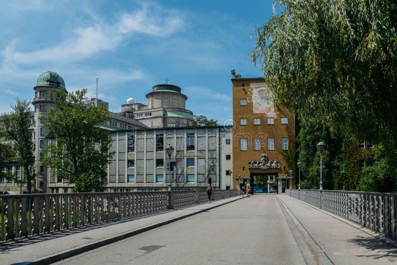 Extasie a fachada ao museu alemão, museu de Deutsches, em Munich, Alemanha, o museu o maior do ` s do mundo da ciência e imagens de stock royalty free