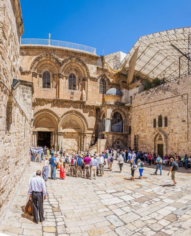 Extasie o quadrado à igreja do sepulcro santamente no Jerusalém foto de stock