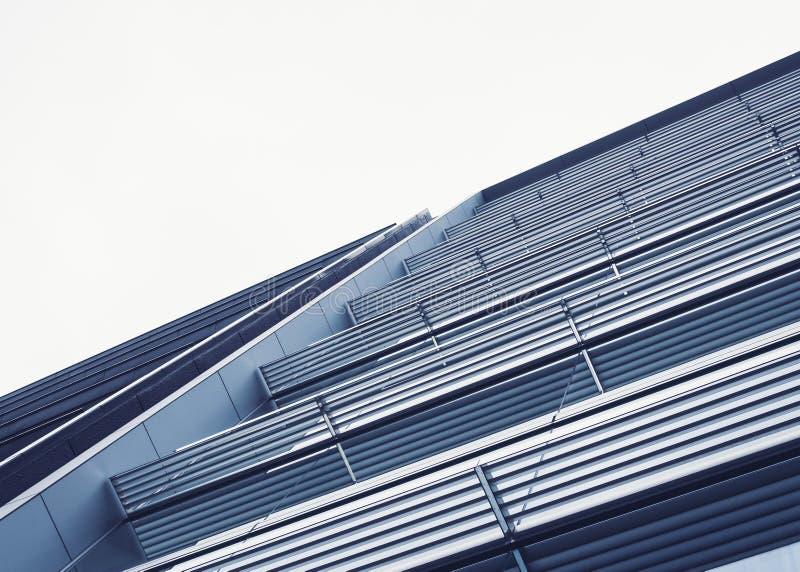 Exterior constructivo moderno del modelo de la arquitectura del detalle del diseño de acero de la fachada foto de archivo libre de regalías