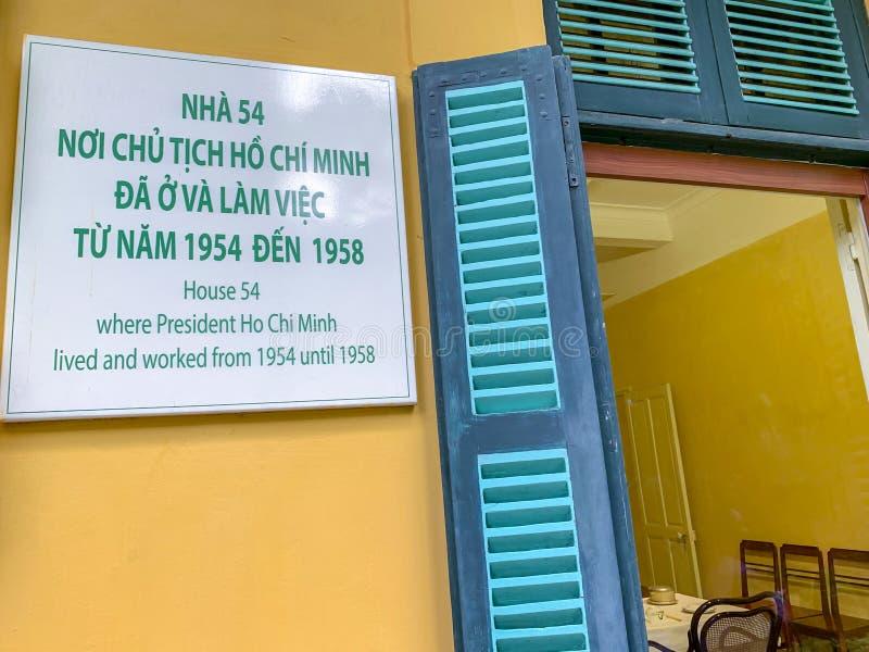 Exterior da casa presidencial em Ho Chi Minh Mausoleum Complex em Hanoi Vietname imagens de stock royalty free