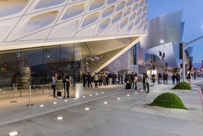 Exterior de Art Museum contemporâneo largo imagens de stock royalty free