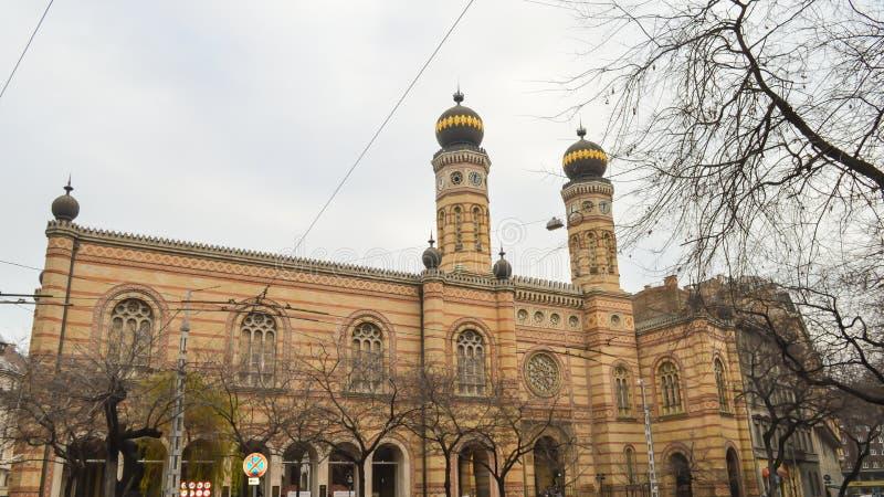 Exterior de la gran sinagoga central en Budapest el 31 de diciembre de 2017 imagenes de archivo