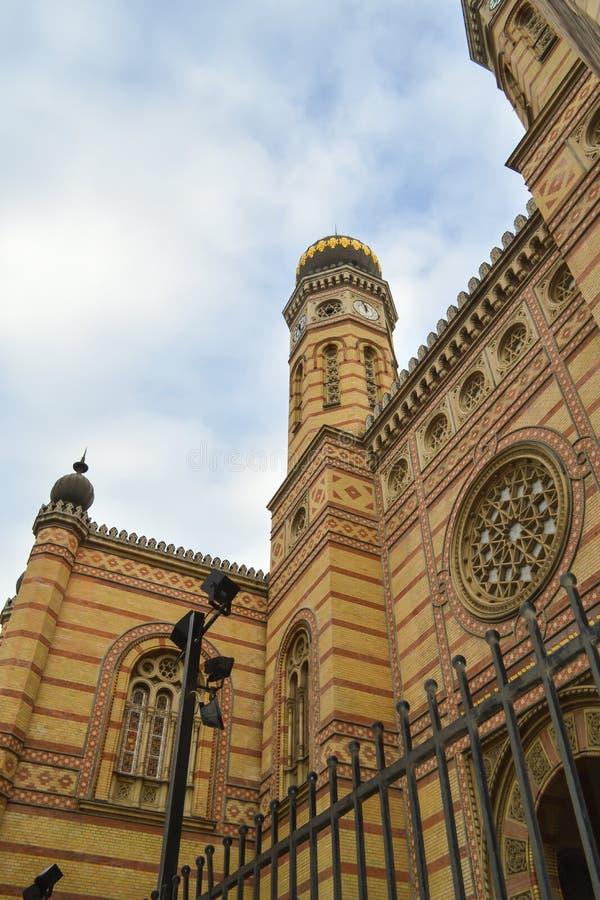 Exterior de la gran sinagoga central en Budapest el 31 de diciembre de 2017 foto de archivo libre de regalías