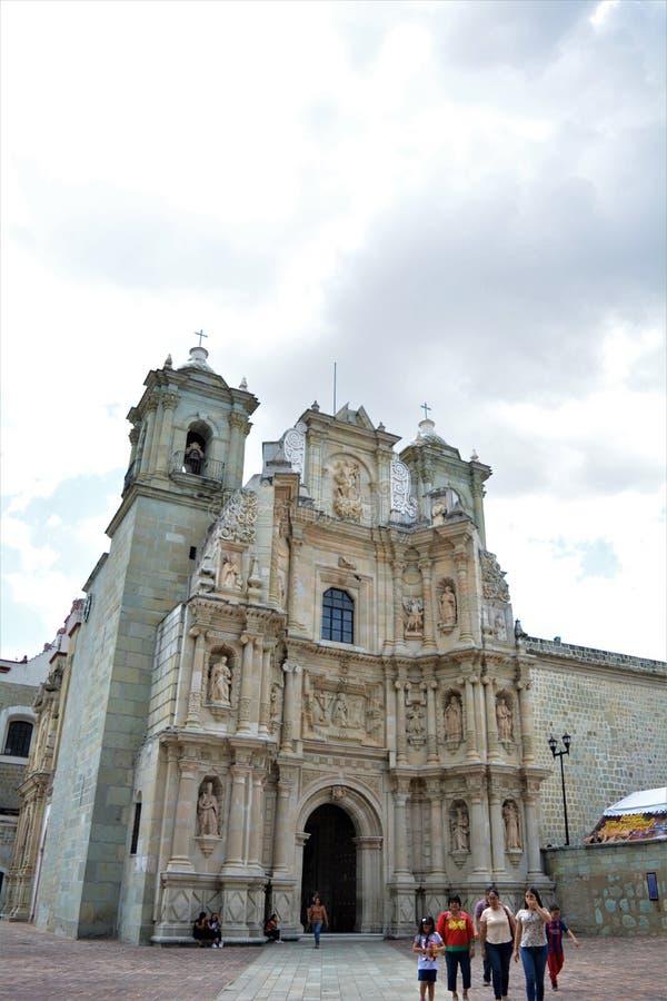 Exterior DE La Iglesia DE La Soledad Engelse Oaxaca stock foto