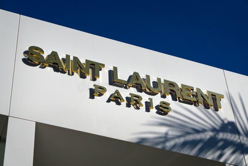 Exterior de Laurent Paris Retail Store de Saint fotos de stock