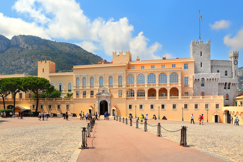 Exterior de Palace del príncipe de Mónaco. fotos de archivo libres de regalías