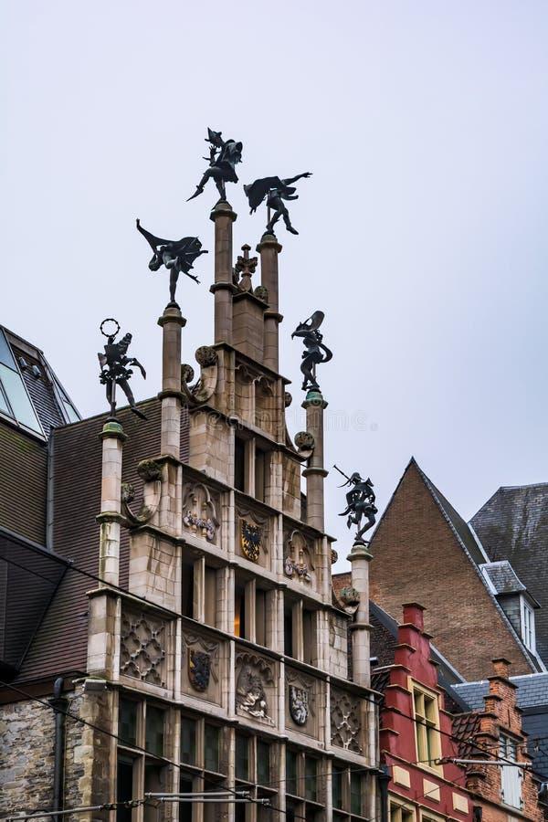 Exterior de Pasillo del gremio de los albañiles en Gante, Bélgica fotografía de archivo libre de regalías