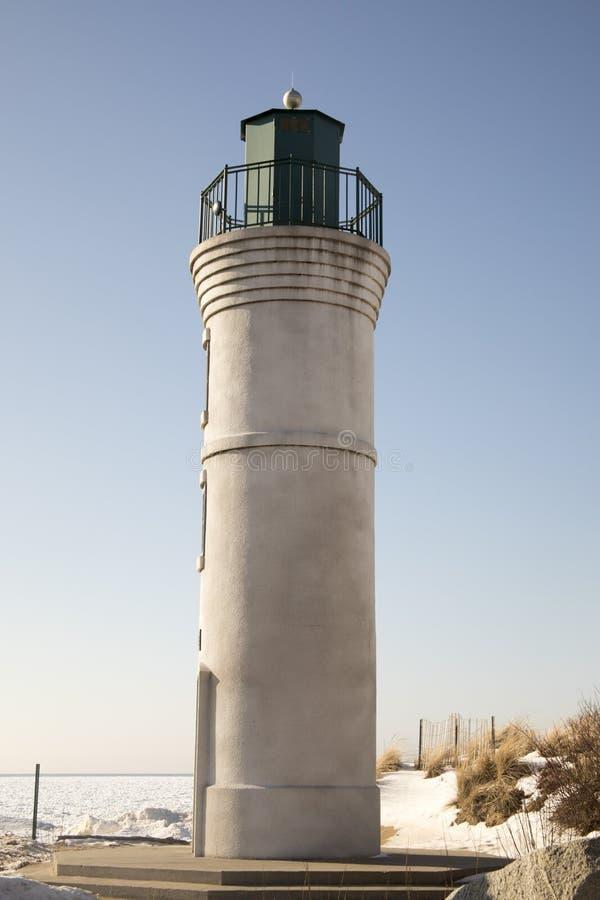 Exterior de Robert H Manning Lighthouse, império, Michigan na vitória imagens de stock