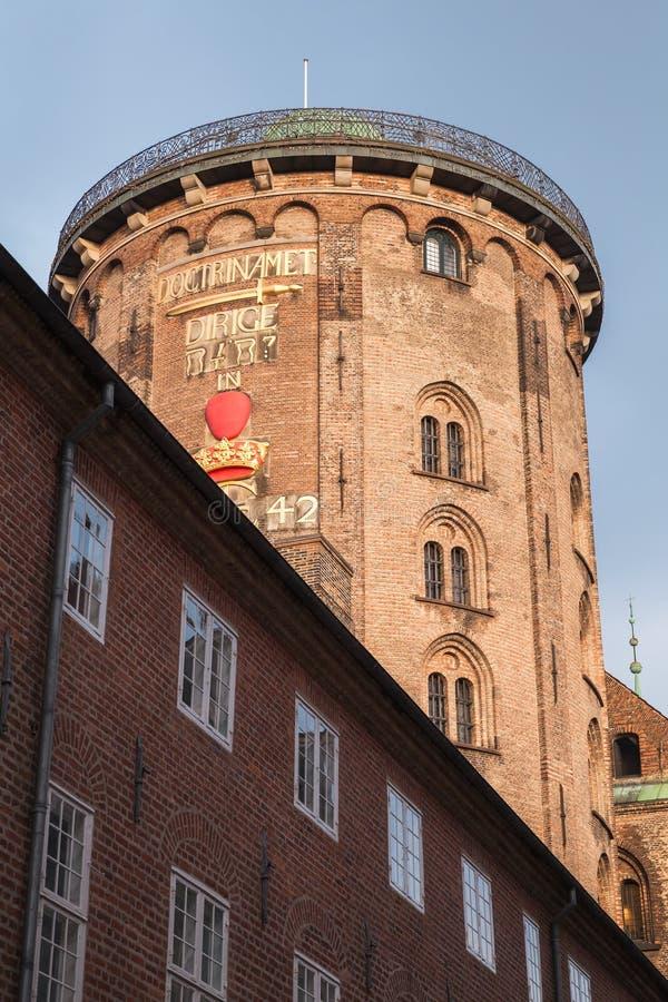 Exterior de Rundetaarn, ou torre redonda foto de stock