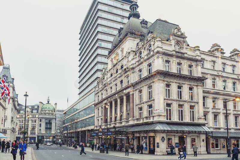 Exterior de seu teatro do ` s da majestade, um teatro do West End situado em Haymarket na cidade de Westminster fotos de stock