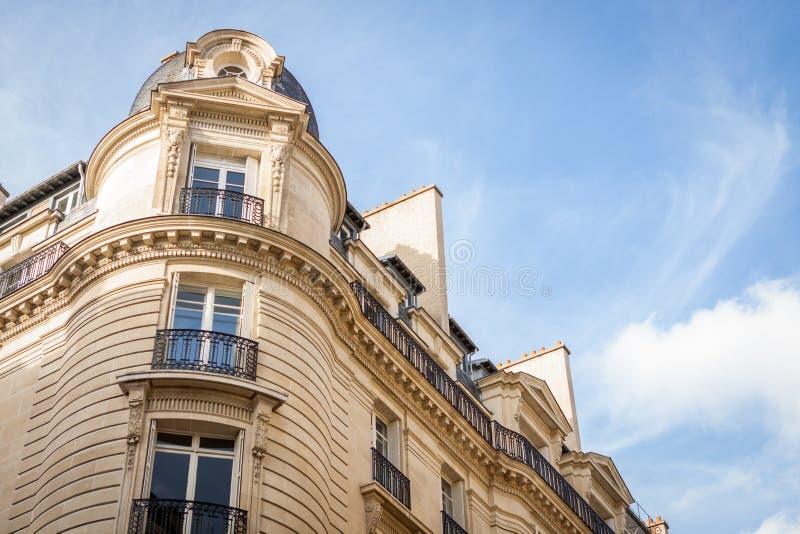 Download Exterior De Una Casa Urbana Histórica En París Foto de archivo - Imagen de herencia, nadie: 41911740