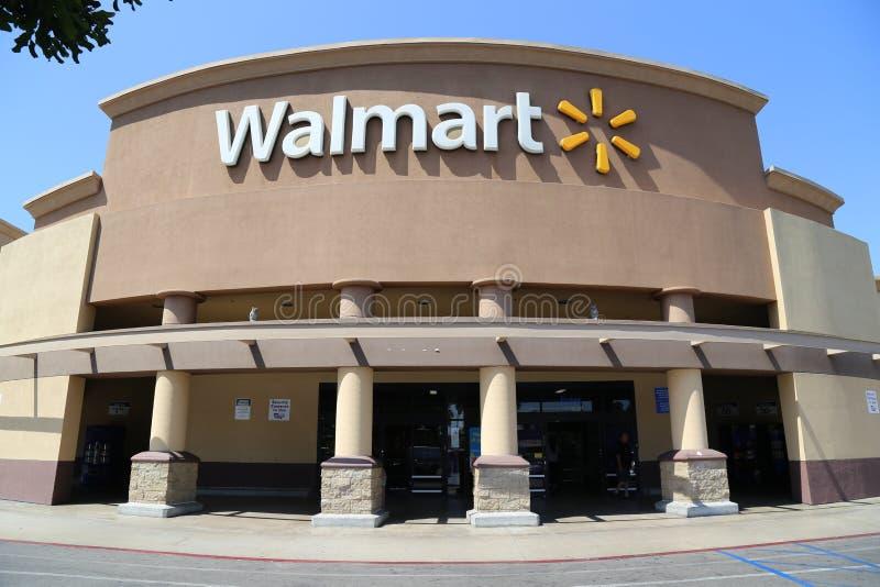 Exterior de Walmart imagen de archivo libre de regalías