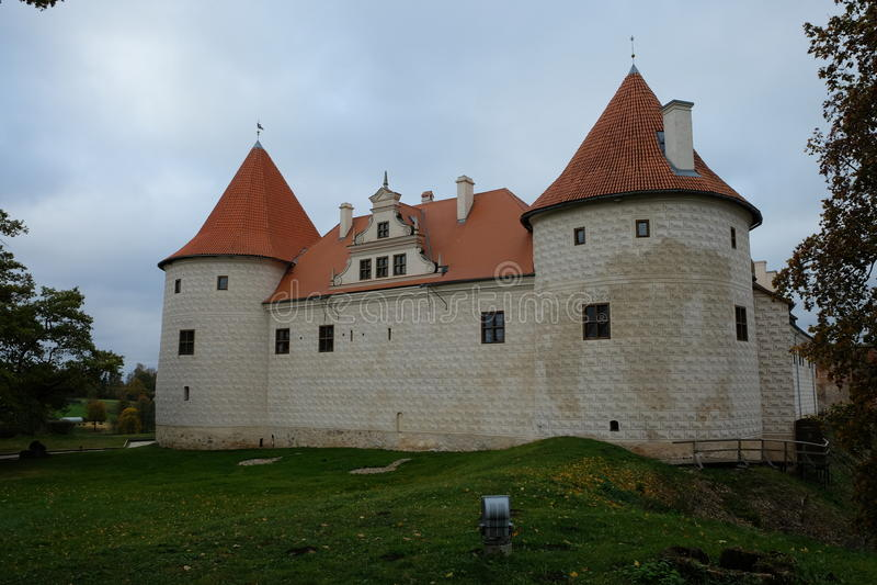 Exterior del castillo de Bauska en Bauska, Letonia imágenes de archivo libres de regalías