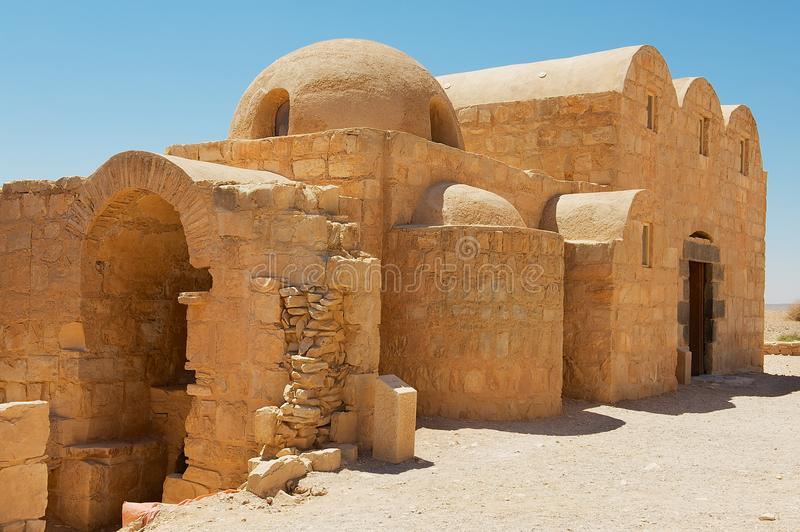Exterior del castillo Qasr Amra del desierto de Amra cerca de Amman, Jordania imagenes de archivo