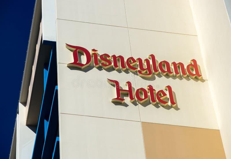 Exterior del hotel de Disneyland fotos de archivo