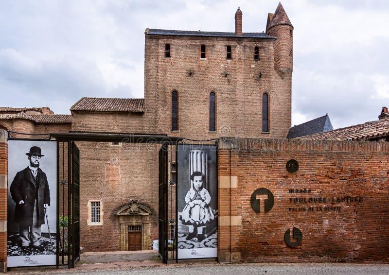 Exterior del museo de Toulouse Lautrec en Albi, Francia imágenes de archivo libres de regalías