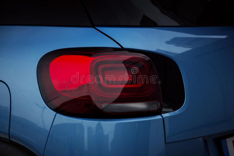 Exterior do carro: Lâmpada da luz traseira do diodo emissor de luz fotografia de stock