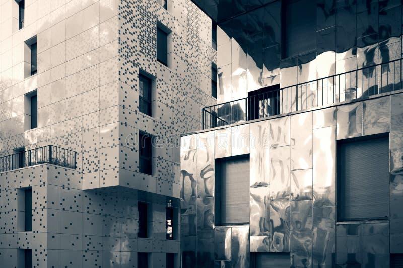 Exterior do edifício residencial imagens de stock royalty free