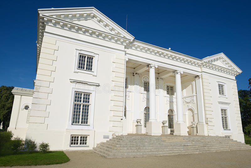 Exterior do palácio de Uzutrakis em Trakai, Lituânia fotografia de stock