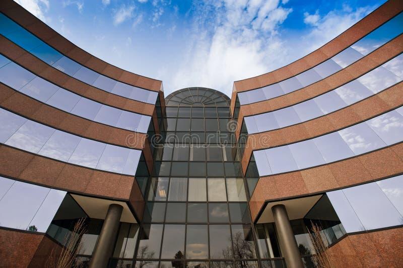 Exterior do prédio de escritórios imagem de stock royalty free