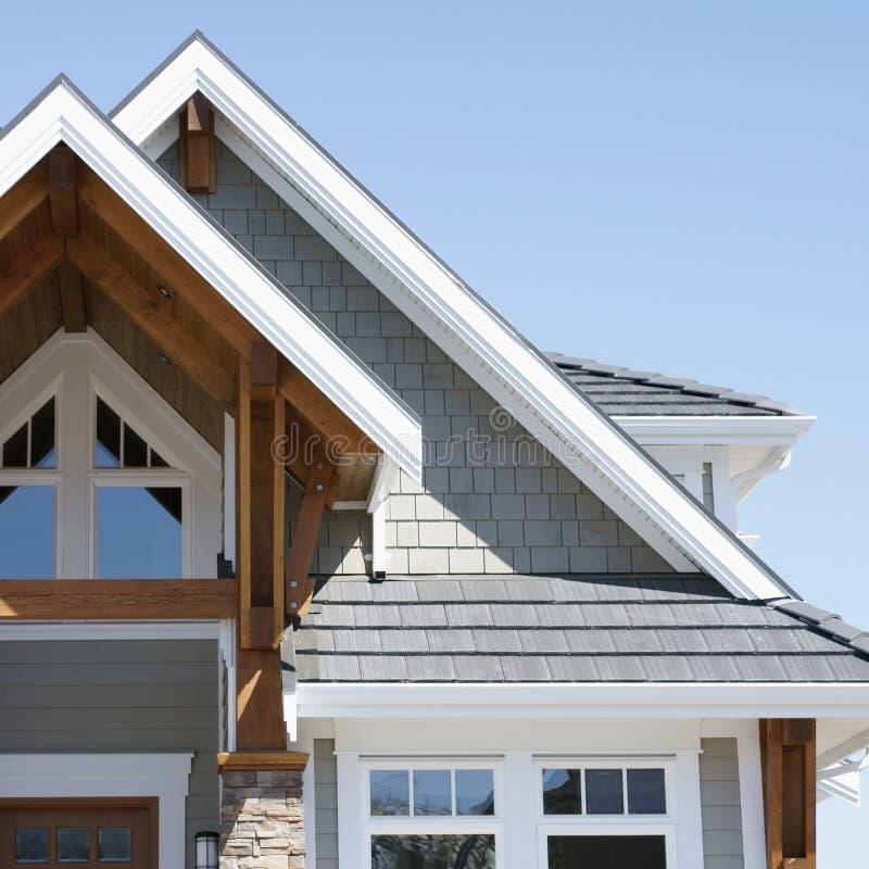 Exterior Home do detalhe do telhado da casa fotografia de stock royalty free
