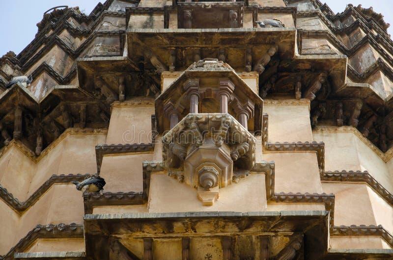 Exteriores cinzelados Templo de Chaturbhuj Dedicado a Lord Vishnu Orchha Madhya Pradesh foto de stock
