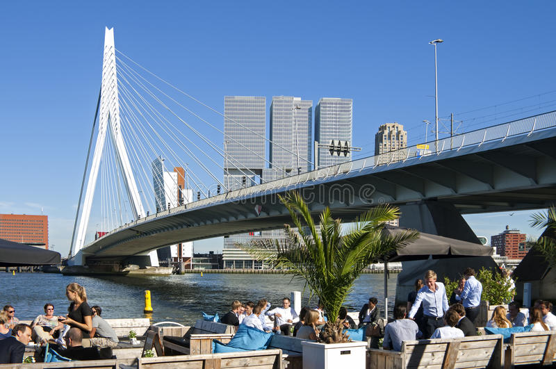 Extinction à Rotterdam à la rivière Nieuwe Maas photo stock